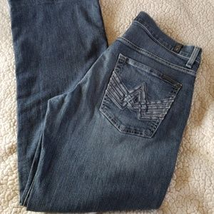 Wom./Jun. 7 For All Mankind Relaxed Jeans:32